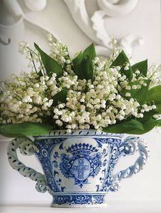 Lily of the valley flowers, in blue china cup ~ lovely bouquet! Blue And White China, Blue China, Love Flowers, Beautiful Flowers, White Flowers, Beautiful Things, Nice Flower, Colorful Roses, Flower Ideas