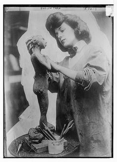 Evelyn Nesbit Thaw sculpting (via Chickeyonthego, via Flickr).