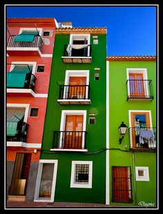 Typical houses of Villajoyosa...Alicante...Spain..! by dagmaf, via Flickr. Caco histórico