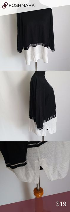 Madewell Women's Casual Colorblock Shirt Size L Style: Women's Colorblock Shirt (T 05 - 909) Brand: Madewell  Material: 100% Linen  Measurements: Length 25 Pit To Pit 21  Color: Black & White  Size: Large  Condition: Good  Country of Manufacture: China Madewell Tops