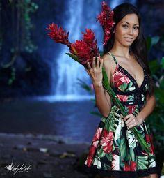Dresser, Mua, Native Style, Different Dresses, Island Girl, Dance Costumes, Mannequin, Designer Dresses, Couture