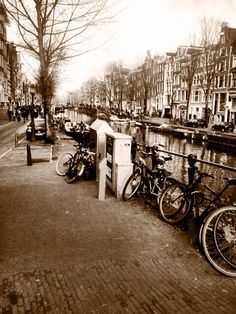 #Amsterdam#ColdWorld#CityLife#RedLight