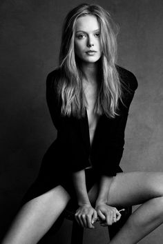 black and white photography | black and white, fashion, hair, hat, model, photography - inspiring ... #fashion #clothing #women