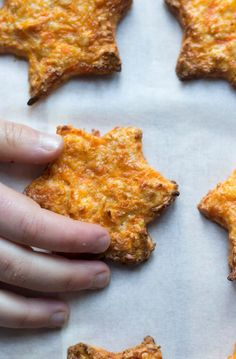 These carrot stars are a great high protein snack for kids. Made with only 4 ingredients - carrots, egg, oats and cheese. Delicious, easy and healthy.