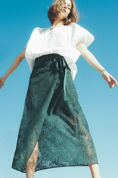 FIGARO 2017SS Ouvert Voyage -Peaceful Clean : vol.01-|ファッション通販ベイクルーズストア(BAYCREW'S STORE) Fashion Images, Fashion Art, Fashion Design, Fashion Trends, Japan Fashion, Fashion 2018, Fashion Photography Inspiration, Style Inspiration, Green Fashion