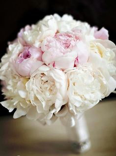 Love this bridal flowers