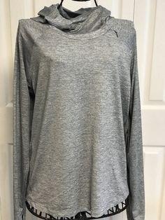 ff57d641330 NWT Womens Nike XL Gray Dri-Fit Long Sleeve Hood Top