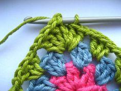 """Circle to square granny ( w """"bobble"""" or cluster stitches)"""