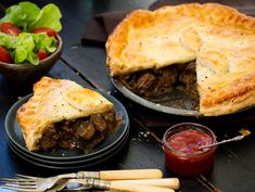 Angela Casley shares her hearty Steak and mushroom pie recipe. Steak And Mushroom Pie, Steak And Mushrooms, Stuffed Mushrooms, Kiwi Recipes, Steak Recipes, Healthy Recipes, Short Pastry, Tacos, Empanadas Recipe