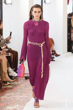 Chloé - Spring/Summer 2019 - Look 14 Knitwear Fashion, Knit Fashion, Fashion 101, Fall Fashion Trends, Fashion Over 50, Autumn Fashion, Fashion Outfits, Womens Fashion, Fashion Styles