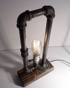 Radio Edison Industrial Table Lamp With Oak Base