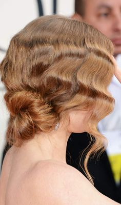This Art Deco finger waves updo is something special for a romantic summer evening.