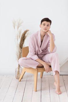Linen set of linen kimono jacket/ Natural linen top/Linen pants/Loungwear/Linen clothing Dusty Rose Color, 3 Piece Suits, Loungewear Set, Linen Blazer, Poses, Kimono Fashion, Cropped Pants, Editorial, Lounge Wear