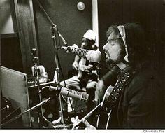 Van Morrison and John Lee Hooker at Wally Heider's studio on Hyde . Irish Singers, Soul Singers, Kinds Of Music, Music Love, John Lee Hooker, Wall Of Sound, Van Morrison, The Mike, Music Images