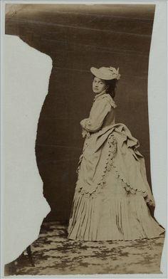 Models for the illustrators of La Revue de La Mode | Palais Galliera | Musée de la mode de la Ville de Paris