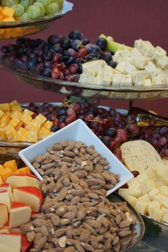 A beautiful display of cheese, grapes, pears , and nuts. Perfect for vintage fall wedding reception appetizer buffet. Hi-Lo Restaurant and Catering. www.hiloclub.com Pie Bar Wedding, Wedding Reception Appetizers, Wedding Catering, Fall Wedding, Appetizer Buffet, Appetizer Recipes, May Weddings, Unique Weddings, Carnival Food