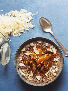 Overnight oats med kakao, banan og chiafrø