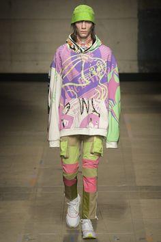Topman Design unveiled its Fall/Winter 2017 collection during London Fashion Week Men's. Fashion Line, Live Fashion, New Fashion, Fashion Show, Vintage Fashion, Fashion Looks, Fashion Styles, Vintage Style, Moda Streetwear