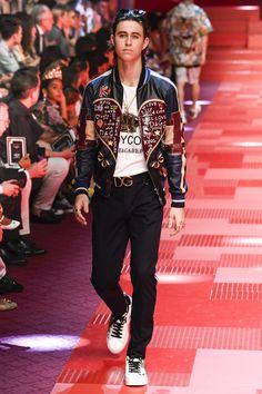 Dolce & Gabbana Spring 2018 Menswear Fashion Show Collection