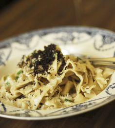 How to make gluten-free pasta with a truffle butter sauce