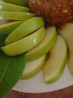The Polohouse: Pecan Caramel Apple Cheese Ball