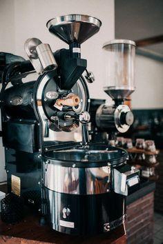 Toper coffee roaster -  Coffeehouse Schenkers Apeldoorn, The Netherlands Photography: JKey Photography