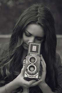 girl photography style moda canon old camera flexaret