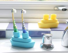 Top Oral Health Advice To Keep Your Teeth Healthy. The smile on your face is what people first notice about you, so caring for your teeth is very important. Unluckily, picking the best dental care tips migh Teeth Health, Oral Health, Dental Health, Healthy Teeth, Bathroom Sink Storage, Bathroom Ideas, Quirky Bathroom, Toothpaste Holder, Toothbrush Holders