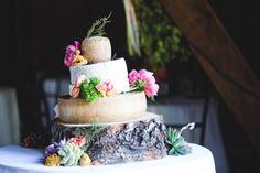 Pièce montée 2017  Aimez-vous #cheese? Nous faisons un choix pour un gâteau de mariage à la roue au fromage