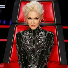 I love Gwen Stefani's style. Her hair and makeup is flawless.