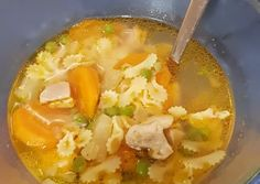 Zöldborsós csirkeragu leves | Kun Krisztina receptje - Cookpad receptek Hungarian Recipes, Hungarian Food, Winter Soups, Chicken Noodle Soup, Slow Cooker Soup, Healthy Soup Recipes, Sweet And Salty, Thai Red Curry, Stew