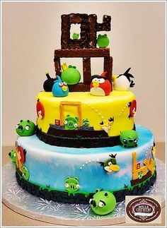 Angry Birds Cake!!    Hungry 4U Fans??    www.facebook.com/vodacom4u