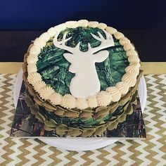 Took a short break from cookies to make this buck/camo cake.  I was told it will be the only buck he gets this year. 😂😂 #birthdaycake #camo #camouflage #buck #deer #vanillabean #vanillabeanbuttercream #frosting #cakesofinstagram #prettybakedbakery