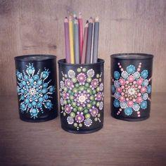 Dot Art Painting, Rock Painting Designs, Mandala Painting, Pebble Painting, Pottery Painting, Painting Patterns, Mandala Canvas, Mandala Dots, Painted Cups