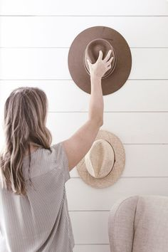 The best hats for spring and summer to elevate any basic outfit. These hats will add a style element to any outfit and can easily dress up your look. Capsule Wardrobe How To Build A, Capsule Wardrobe Essentials, Classic Hats, Classic Style, Wardrobe Planner, Minimalist Wardrobe, Traditional Fashion, Basic Outfits, Hats For Women
