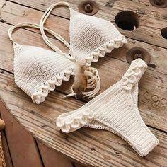 Summer Free Crochet Bikini Pattern Design Ideas for This Year Part 26 , , Awesome Summer Crochet Bikini. Bikini Crochet Patron, Motif Bikini Crochet, Crochet Bra, Crochet Bikini Bottoms, Crochet Crop Top, Crochet Clothes, Free Crochet, Ravelry Crochet, Crotchet
