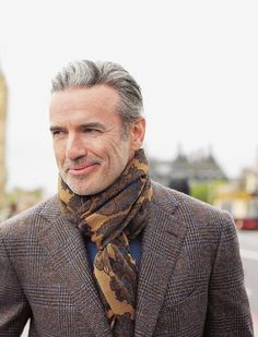 My vision of dapper style & selfies Gentleman Mode, Gentleman Style, Vintage Stil, Vintage Men, Fashion For Men Over 50, London Lifestyle, Advanced Style, Mature Men, Sharp Dressed Man