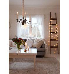 Starý dom zariadený v štýle severskej vidieckej romantiky Home Decor, Decoration Home, Room Decor, Home Interior Design, Home Decoration, Interior Design