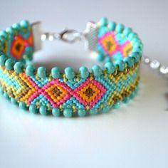 Bracelet bresilien customise neon vert turquoise piece unique