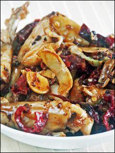 KitchenTigress: Gong Bao Frog Legs