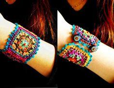 Granny square Chic Crochet bracelet by DusdeeCreations on Etsy Love Crochet, Bead Crochet, Crochet Granny, Beautiful Crochet, Crochet Crafts, Yarn Crafts, Crochet Projects, Diy Crafts, Jewelry Crafts