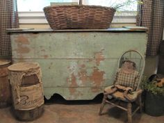 We have a similarly colored antique seed/grain bin in the shop for sale - totally swoon worthy!(Found on Vintage Furniture. Primitive Homes, Primitive Antiques, Primitive Crafts, Primitive Stitchery, Primitive Patterns, Primitive Snowmen, Wood Crafts, Wooden Trunks, Old Trunks