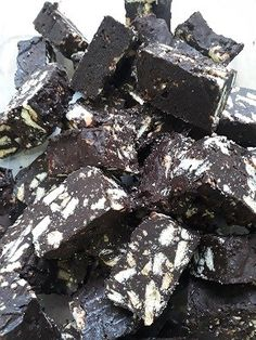 A childhood favorite - try this recipe for Marie Biscuit fudge today. Perfect to make with your children for shared time in the kitchen. Last Minute Christmas Gifts, South African Recipes, Fudge, Brownies, Biscuits, Candy, Chocolate, Food, Cookies