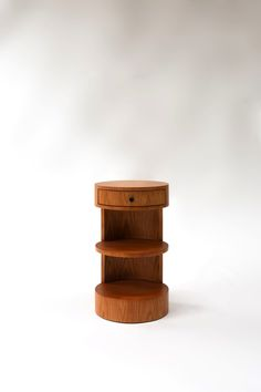 N˚ 141 – RUEMMLER Furniture Oak Nightstand, Floating Nightstand, Nightstands, Bedside, Drawer Pulls, Interior And Exterior, Architecture Design, Kids Room, Objects