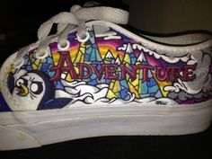 Adventure Time Shoes p. Adventure Time Shoes, Adventure Time Crafts, Finn The Human, Jake The Dogs, Pretty Drawings, Bubbline, Time Painting, Le Jolie, Great Hairstyles