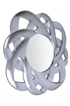 Lustro Calisto  Nowoczesne lustro w srebnej ramie wykonanej ręcznie. Rama jest ażurowa. Calisto pasuje w designerskich wnętrzach między innymi do salonu, do łazienki i do holu.