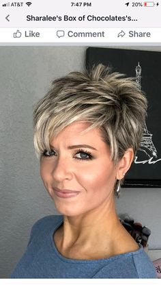 """How to style the Pixie cut? Despite what we think of short cuts , it is possible to play with his hair and to style his Pixie cut as he pleases. For a hairstyle with a """"so chic"""" and pointed… Continue Reading → Short Layered Haircuts, Short Hairstyles For Women, Easy Hairstyles, Hairstyles 2018, Summer Hairstyles, Stylish Short Haircuts, Stylish Hairstyles, Hairstyles Pictures, Shaved Hairstyles"""