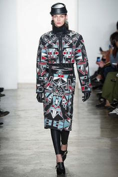 Big shoulders and a slim skirt: The silhouette spotted at KTZ had '80s flair to spare.