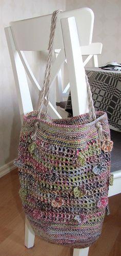 Pretty Crochet Mesh Bag: free pattern