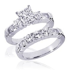 1.40 Ct Princess Cut 3 Stone Diamond Engagement ahh perfect perfect perfect I would absolutely die if my boyfriend got me this one day:)